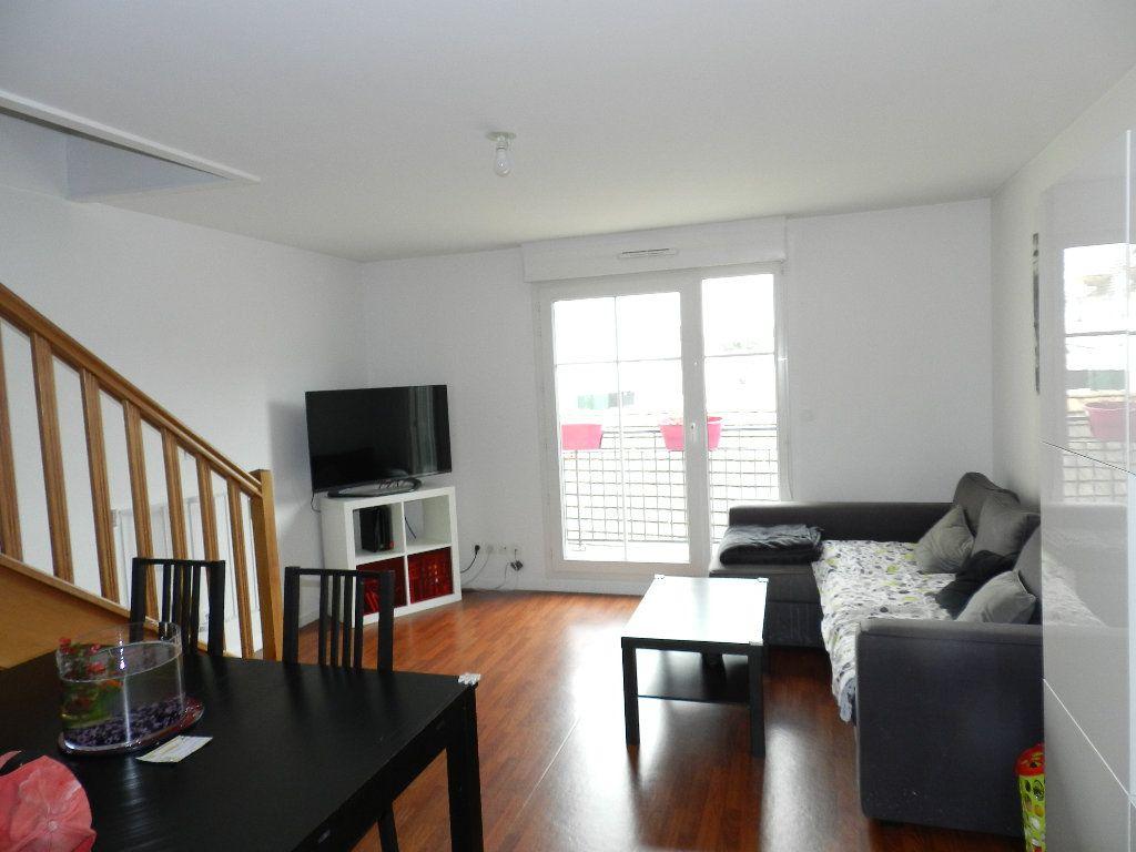 Appartement à louer 3 55.6m2 à Coubert vignette-1
