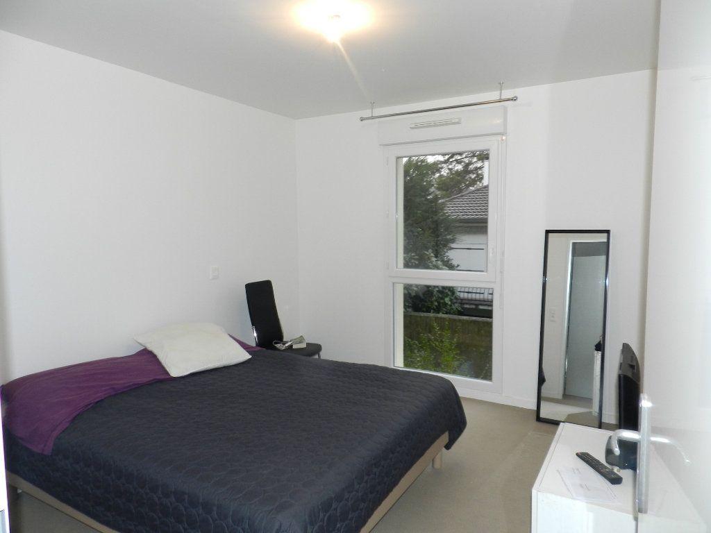Appartement à louer 3 62.85m2 à Brie-Comte-Robert vignette-5
