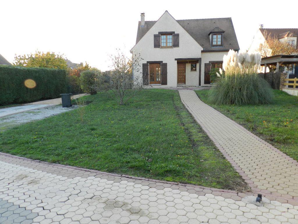 Maison à louer 6 128.04m2 à Grisy-Suisnes vignette-1