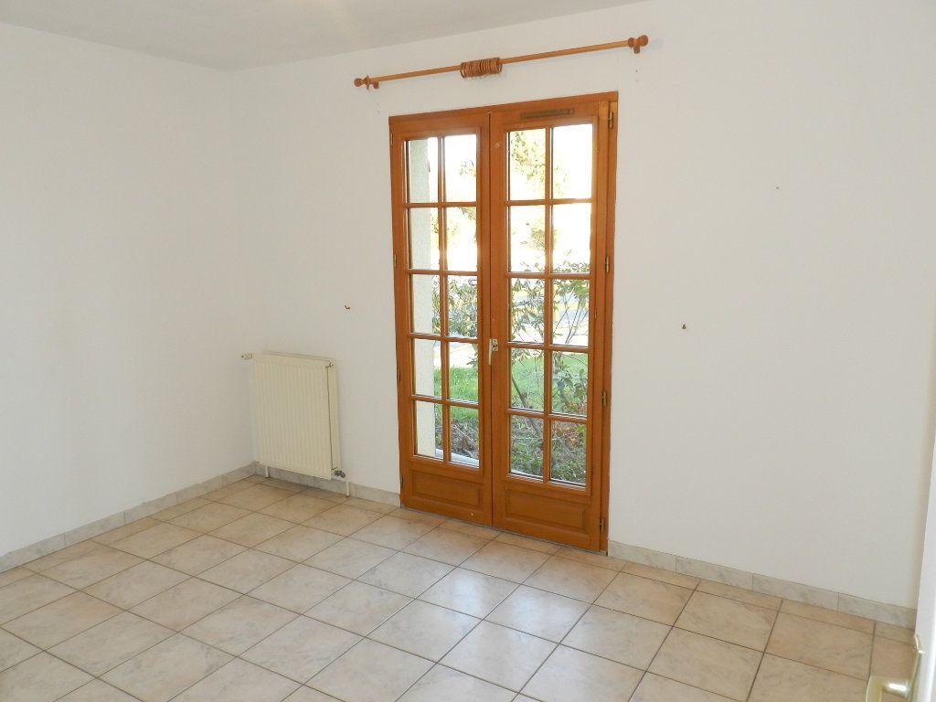 Maison à louer 6 128.04m2 à Grisy-Suisnes vignette-5