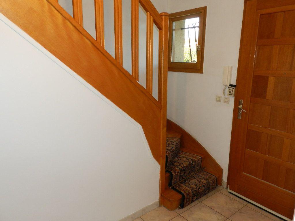 Maison à louer 6 128.04m2 à Grisy-Suisnes vignette-6