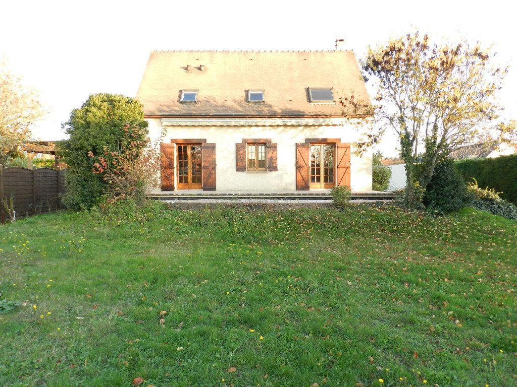 Maison à louer 6 128.04m2 à Grisy-Suisnes vignette-14