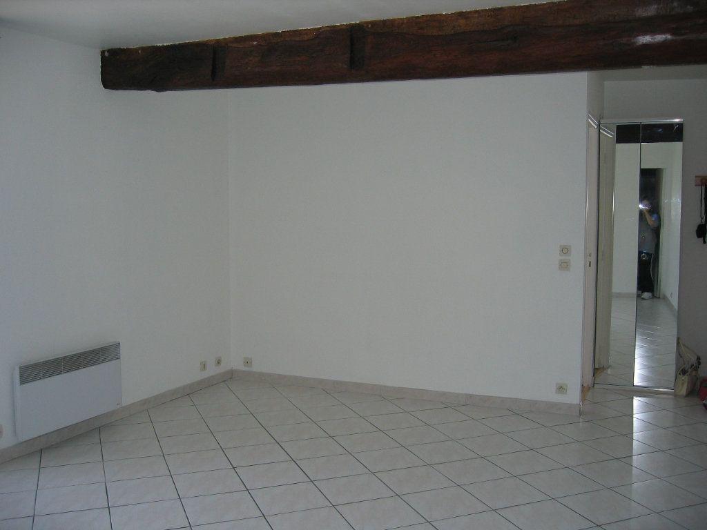 Appartement à louer 2 42m2 à Coubert vignette-2