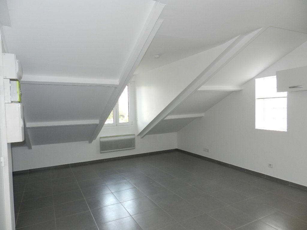 Appartement à louer 2 33.33m2 à Mandres-les-Roses vignette-2