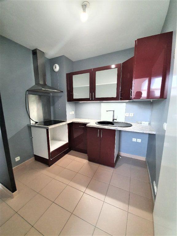 Appartement à vendre 3 46.45m2 à Brie-Comte-Robert vignette-3