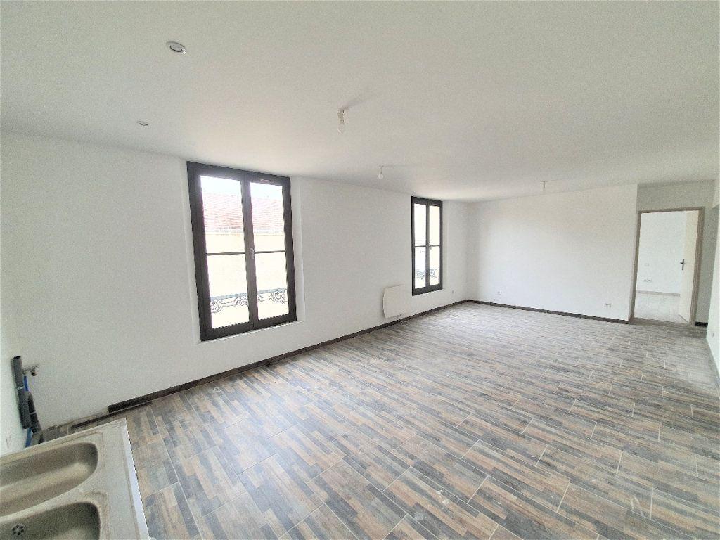 Appartement à vendre 3 65m2 à Brie-Comte-Robert vignette-1