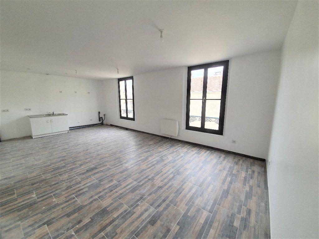 Appartement à vendre 3 65m2 à Brie-Comte-Robert vignette-3
