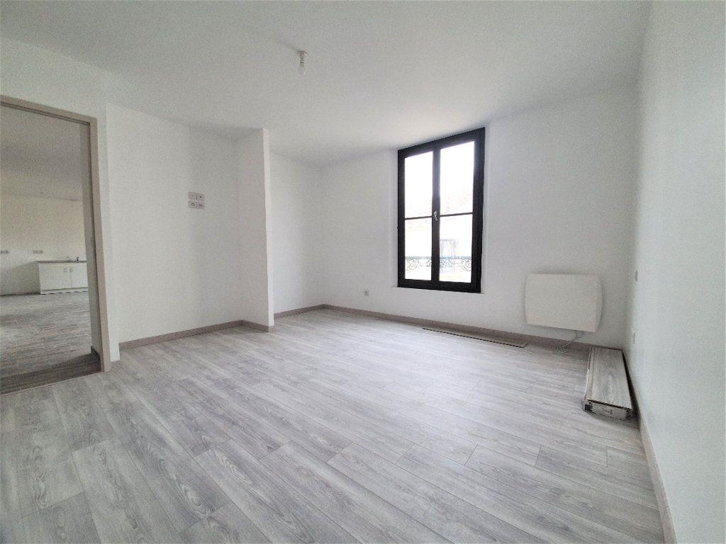 Appartement à vendre 3 65m2 à Brie-Comte-Robert vignette-4
