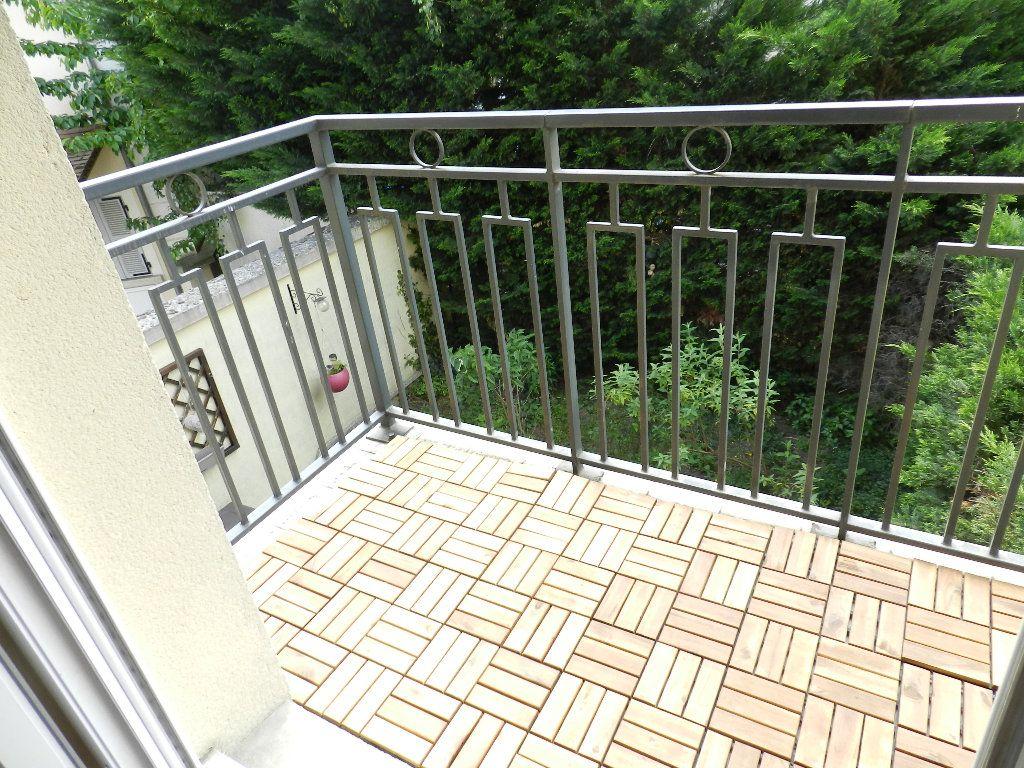 Appartement à louer 2 46.7m2 à Mandres-les-Roses vignette-5