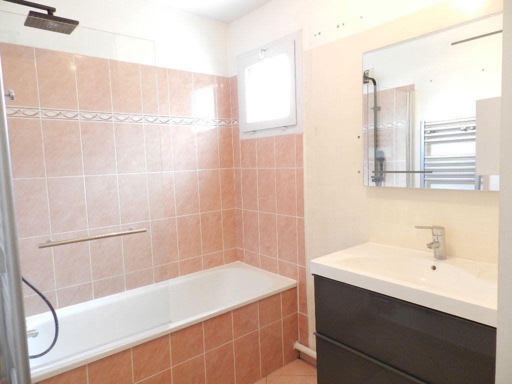 Appartement à louer 2 46.7m2 à Mandres-les-Roses vignette-6