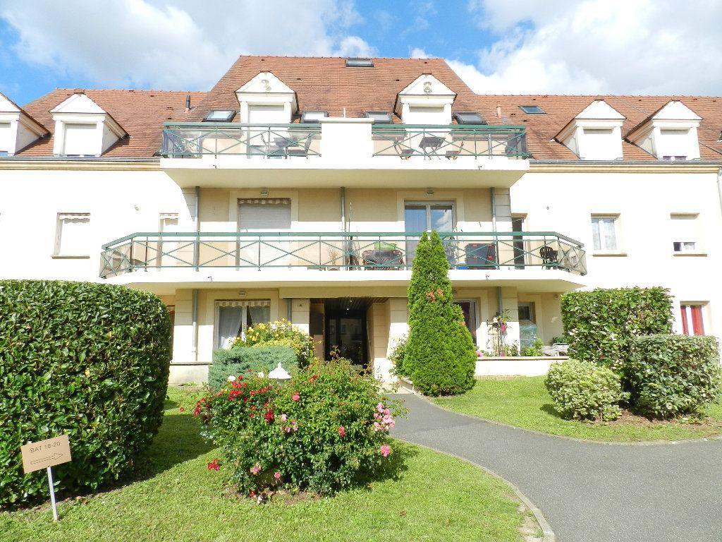 Appartement à louer 3 66.08m2 à Brie-Comte-Robert vignette-1