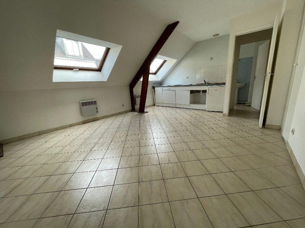 Appartement à louer 1 23.1m2 à Brie-Comte-Robert vignette-2