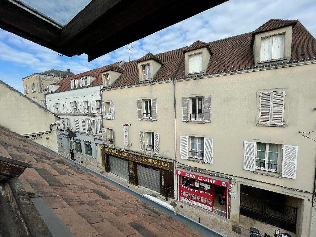 Appartement à louer 1 23.1m2 à Brie-Comte-Robert vignette-6