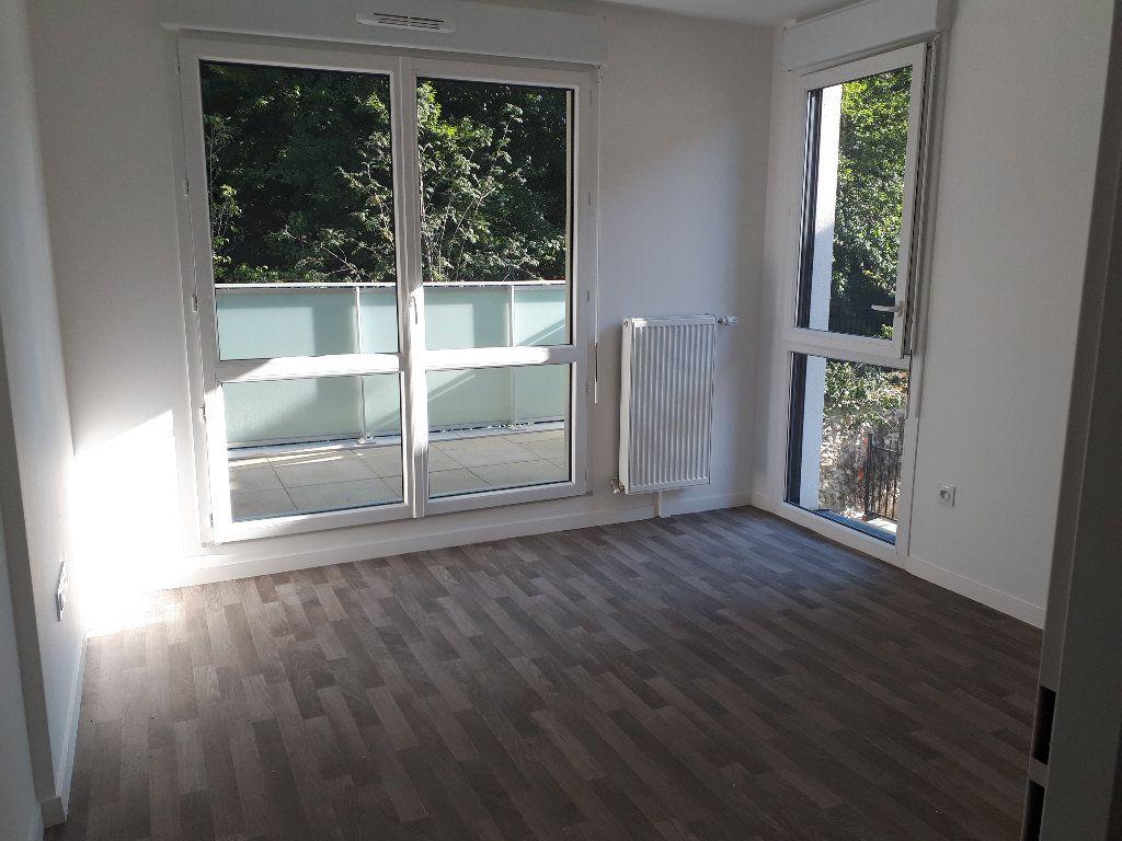 Appartement à louer 3 60.43m2 à Lieusaint vignette-3