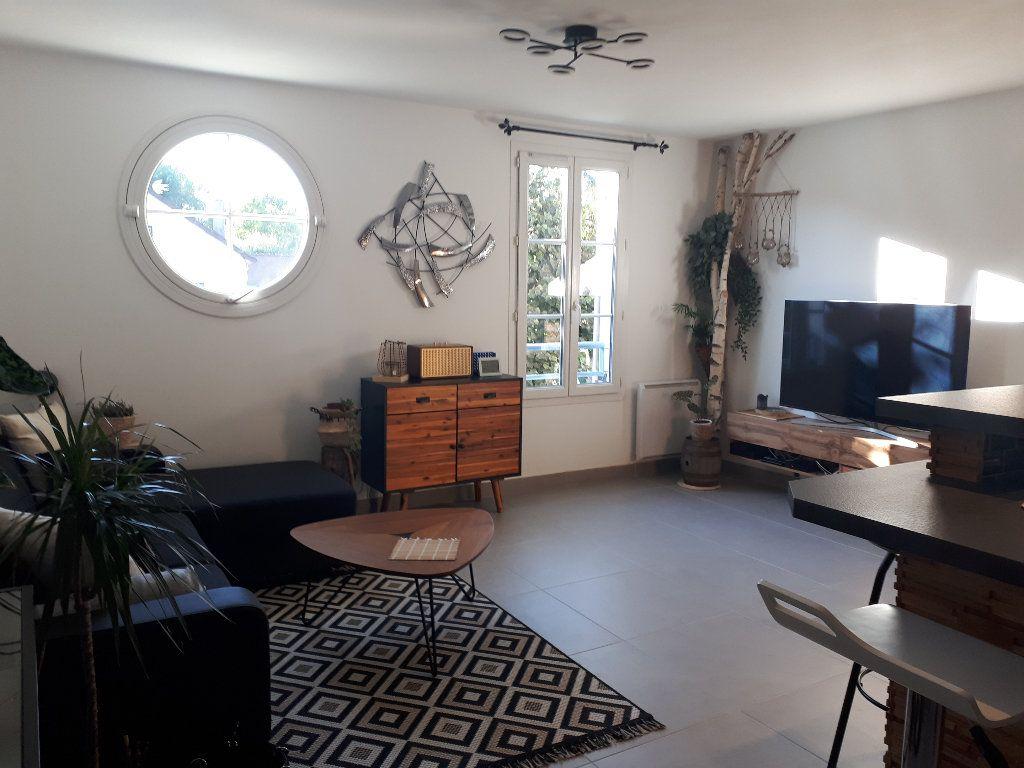 Appartement à louer 2 44.23m2 à Santeny vignette-3