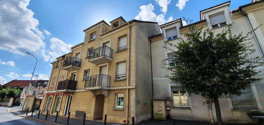 Appartement à louer 1 29.8m2 à Mandres-les-Roses vignette-1