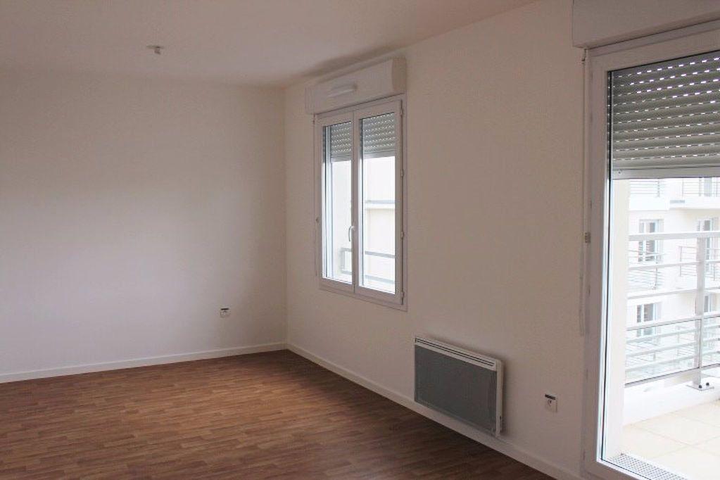 Appartement à louer 1 29.6m2 à Vernouillet vignette-1