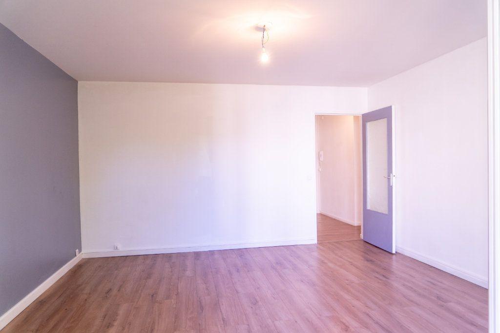 Appartement à louer 4 82m2 à Verneuil-sur-Seine vignette-3