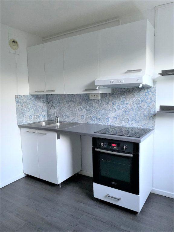 Appartement à louer 4 82m2 à Verneuil-sur-Seine vignette-4