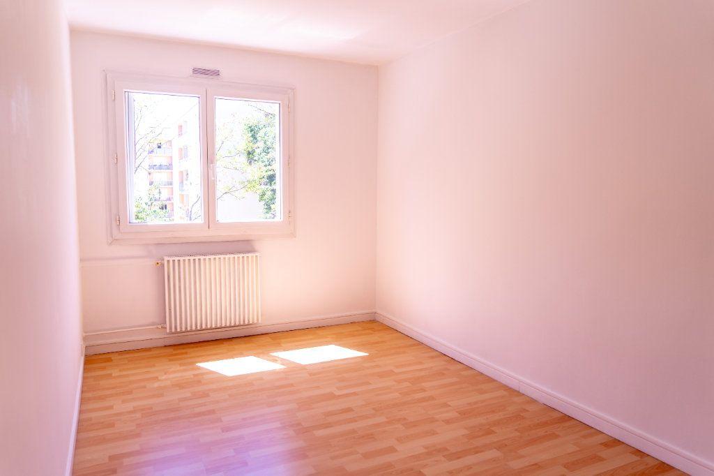 Appartement à louer 4 82m2 à Verneuil-sur-Seine vignette-6