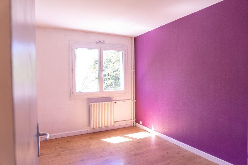 Appartement à louer 4 82m2 à Verneuil-sur-Seine vignette-7
