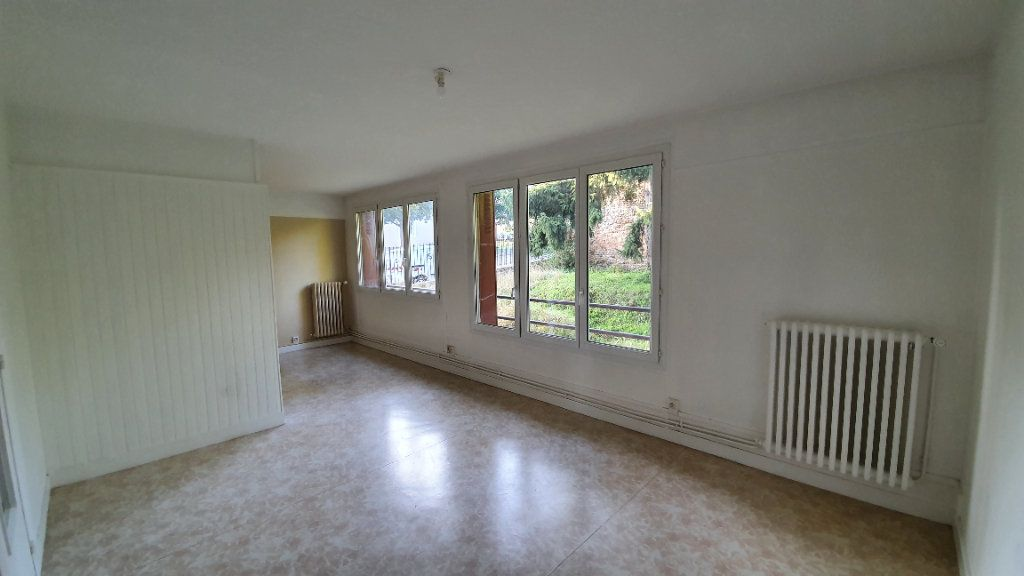 Appartement à louer 3 72.95m2 à Ecquevilly vignette-1