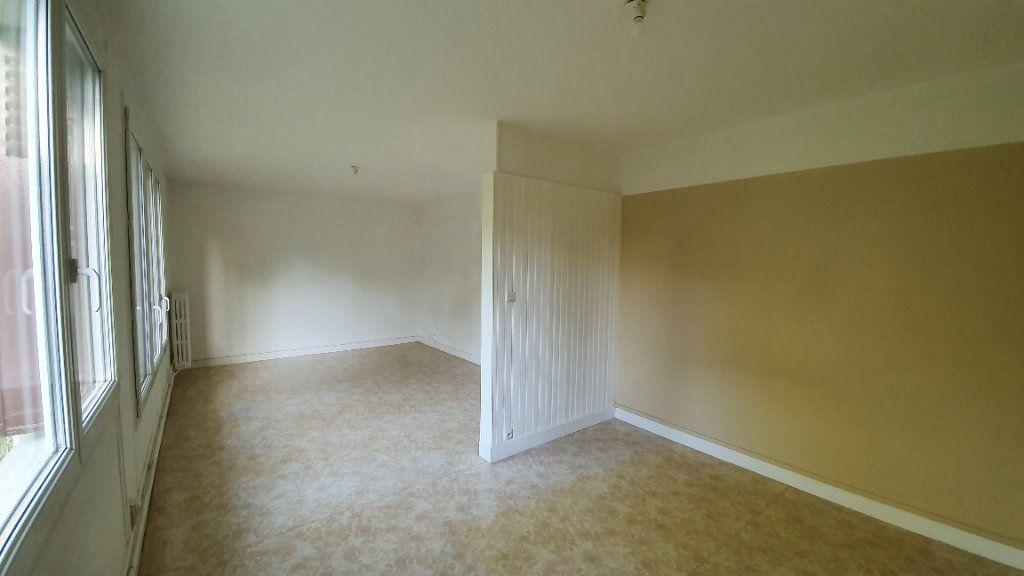 Appartement à louer 3 72.95m2 à Ecquevilly vignette-2