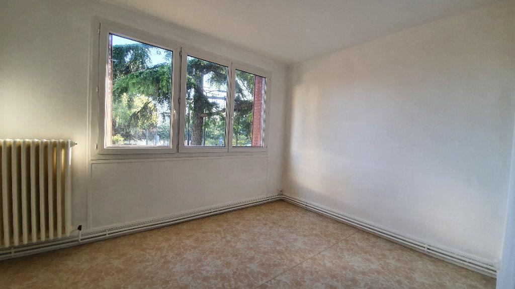 Appartement à louer 3 72.95m2 à Ecquevilly vignette-5