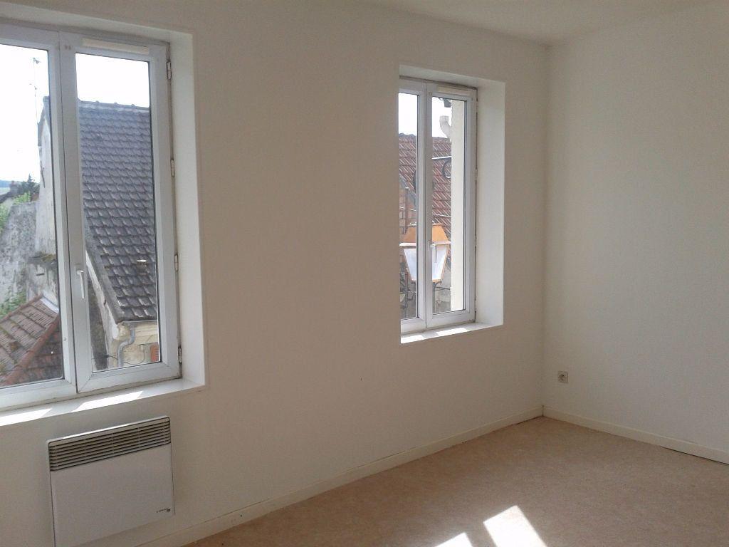 Appartement à louer 3 52.12m2 à Charly-sur-Marne vignette-1