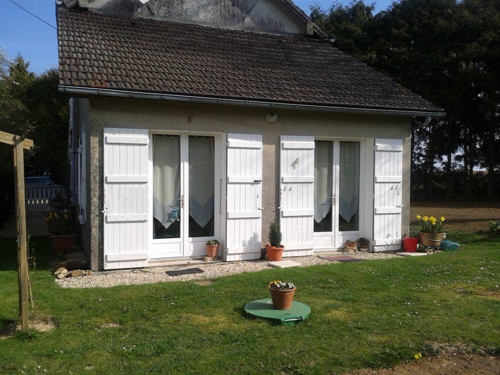 Maison à louer 4 100m2 à Germigny-sous-Coulombs vignette-1