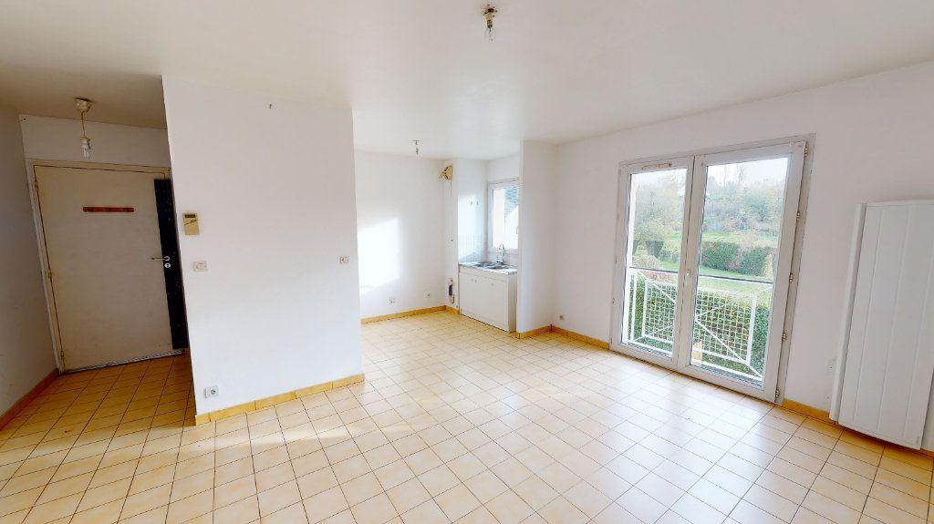 Appartement à louer 3 65.83m2 à Nanteuil-lès-Meaux vignette-1