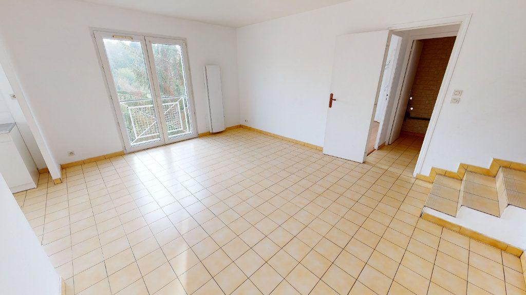 Appartement à louer 3 65.83m2 à Nanteuil-lès-Meaux vignette-2