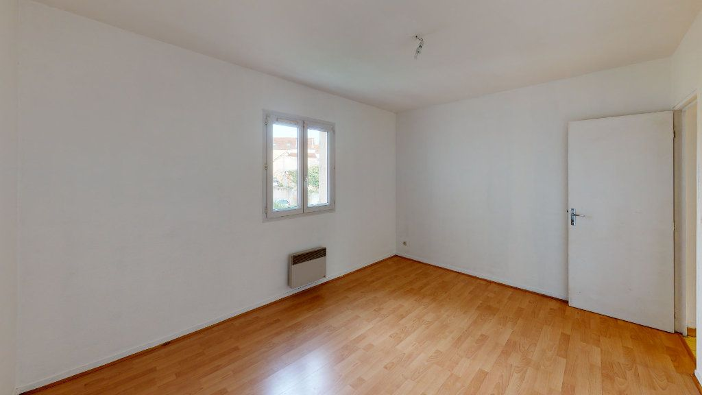 Appartement à louer 3 65.83m2 à Nanteuil-lès-Meaux vignette-4