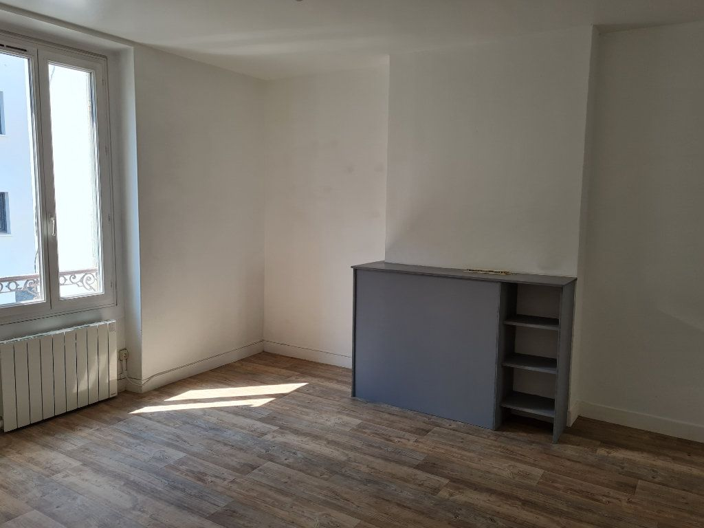 Appartement à louer 3 64.81m2 à Meaux vignette-2