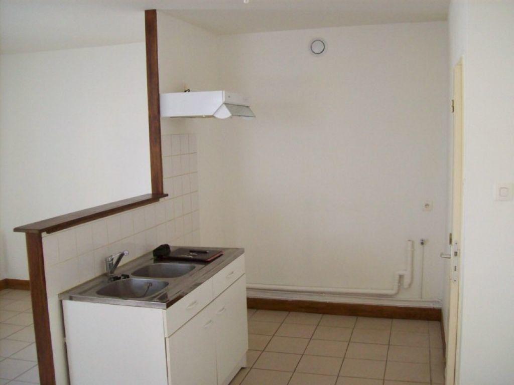 Appartement à louer 1 30m2 à Sablonnières vignette-2