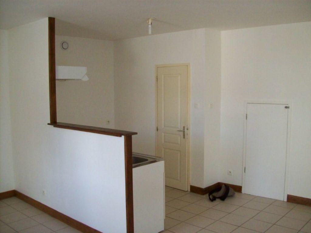 Appartement à louer 1 30m2 à Sablonnières vignette-3