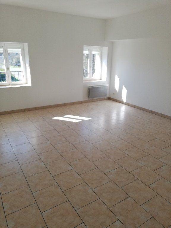 Appartement à louer 3 62.4m2 à Saâcy-sur-Marne vignette-2