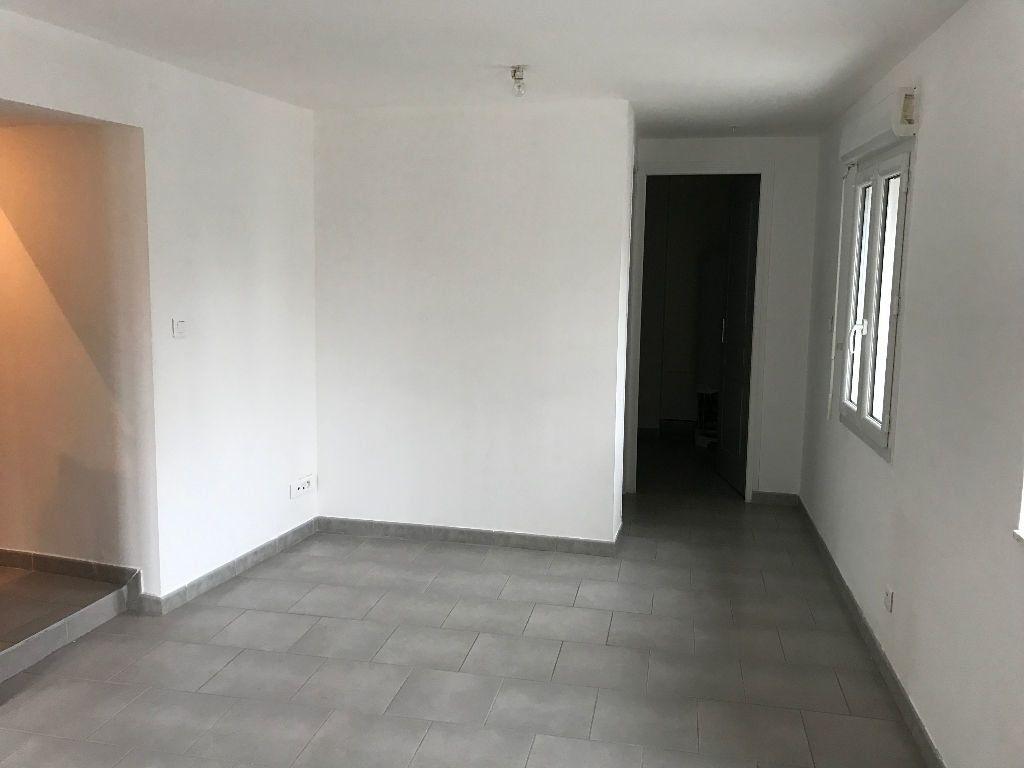 Appartement à louer 3 54.22m2 à Rebais vignette-2