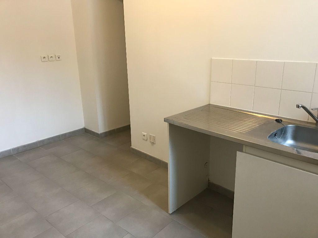 Appartement à louer 3 54.22m2 à Rebais vignette-4