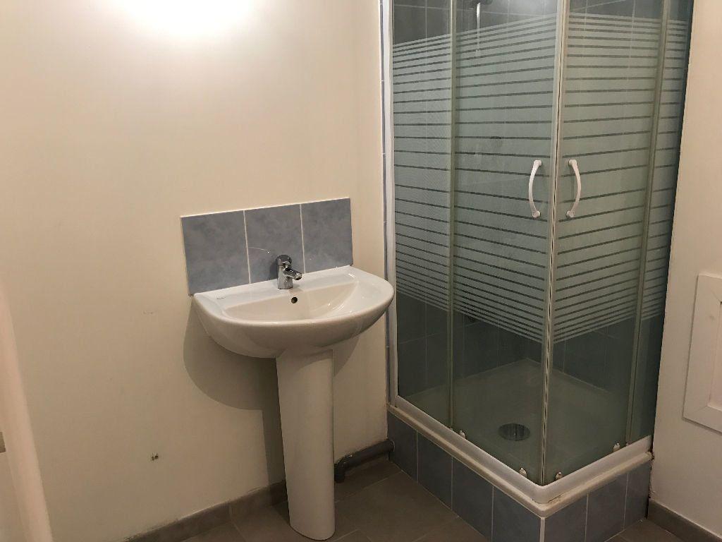 Appartement à louer 3 54.22m2 à Rebais vignette-5