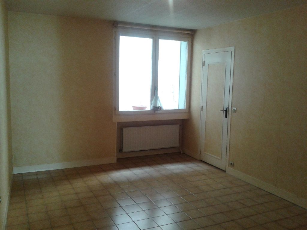Appartement à louer 2 34.63m2 à La Ferté-sous-Jouarre vignette-1