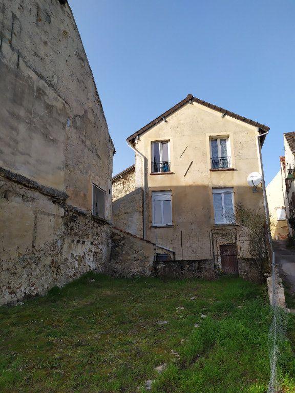 Maison à louer 4 112m2 à Crouttes-sur-Marne vignette-1