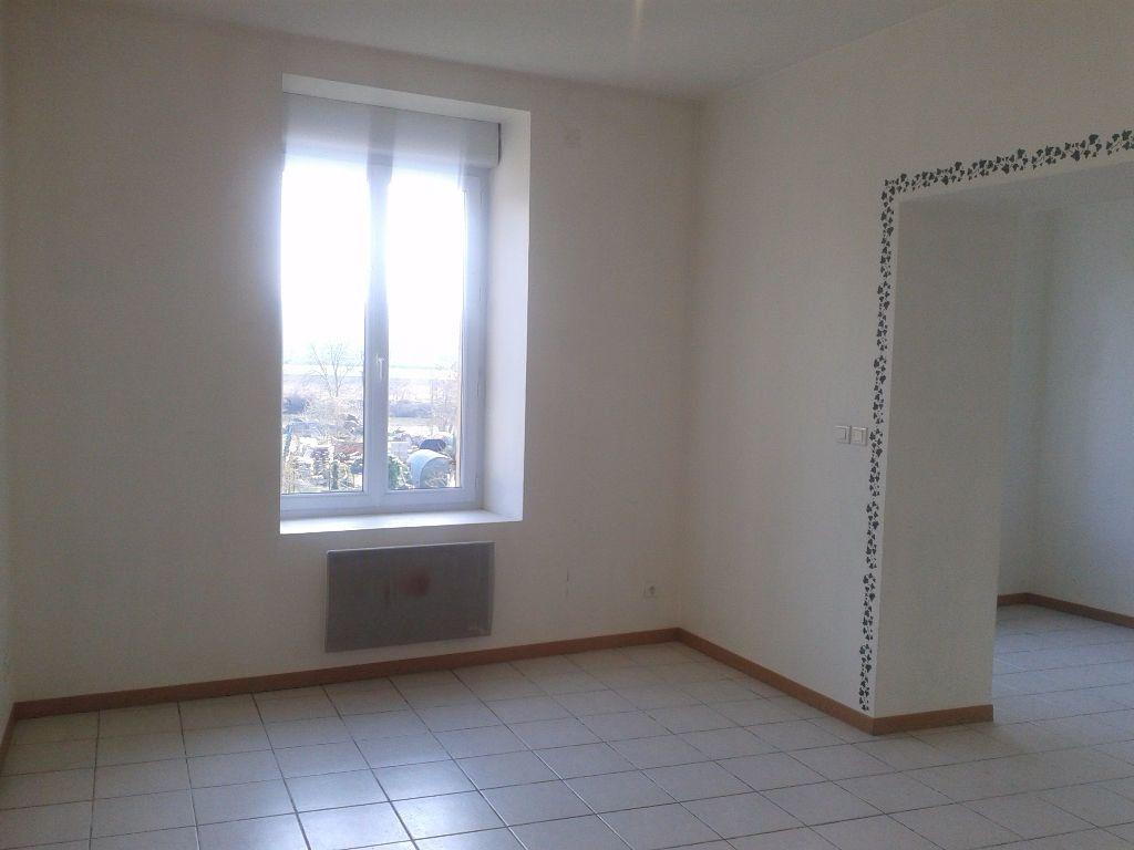 Maison à louer 4 112m2 à Crouttes-sur-Marne vignette-2