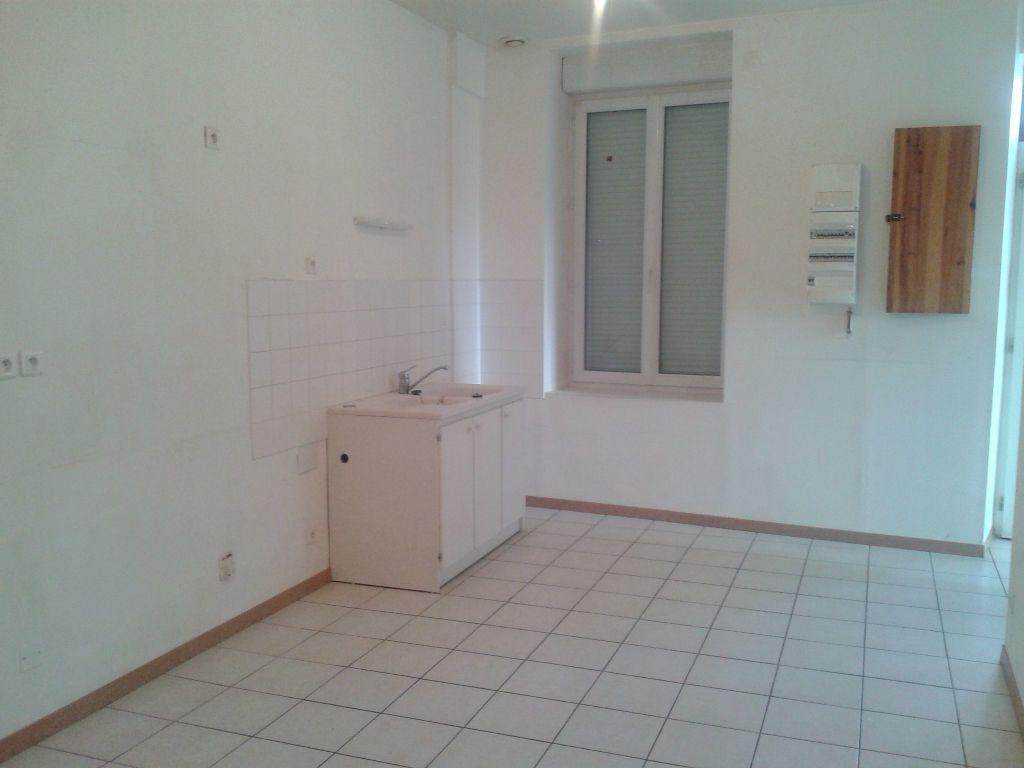 Maison à louer 4 112m2 à Crouttes-sur-Marne vignette-4