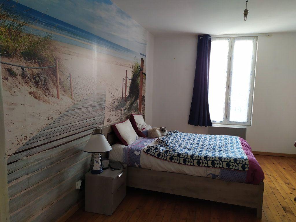 Maison à louer 4 112m2 à Crouttes-sur-Marne vignette-7
