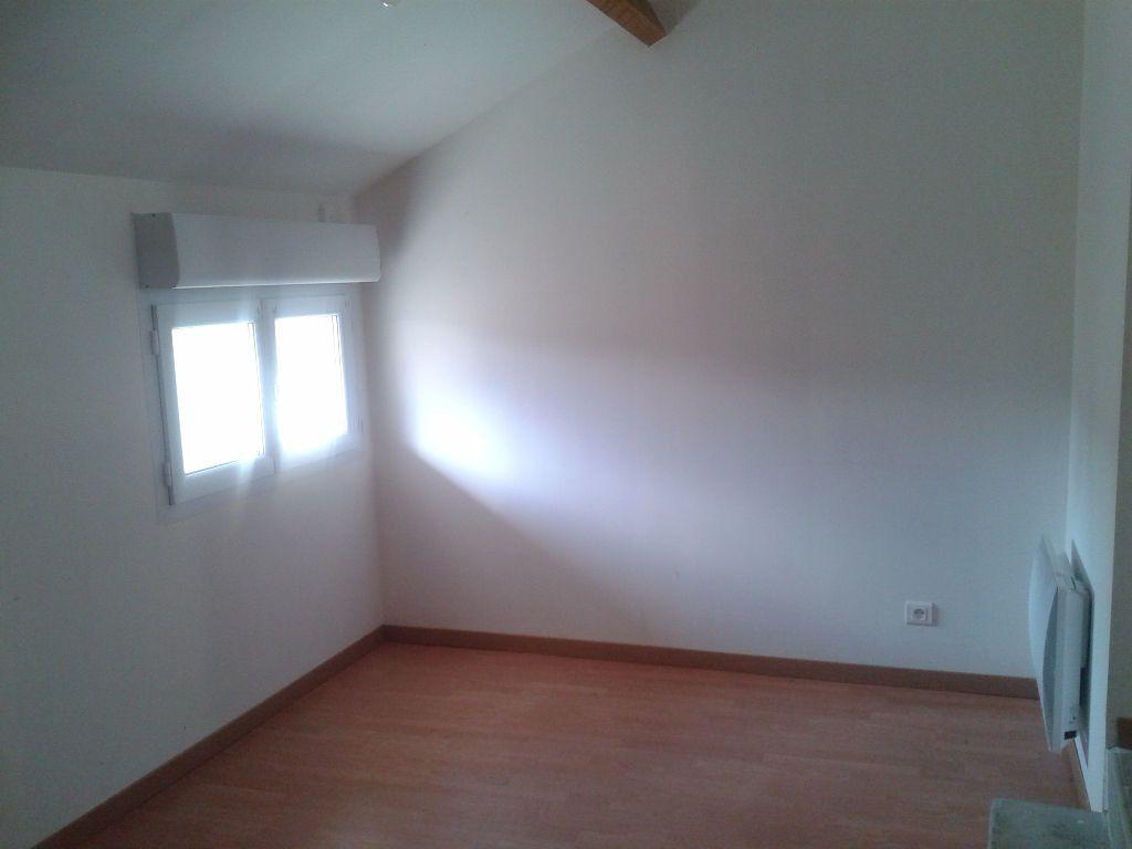 Maison à louer 4 112m2 à Crouttes-sur-Marne vignette-8