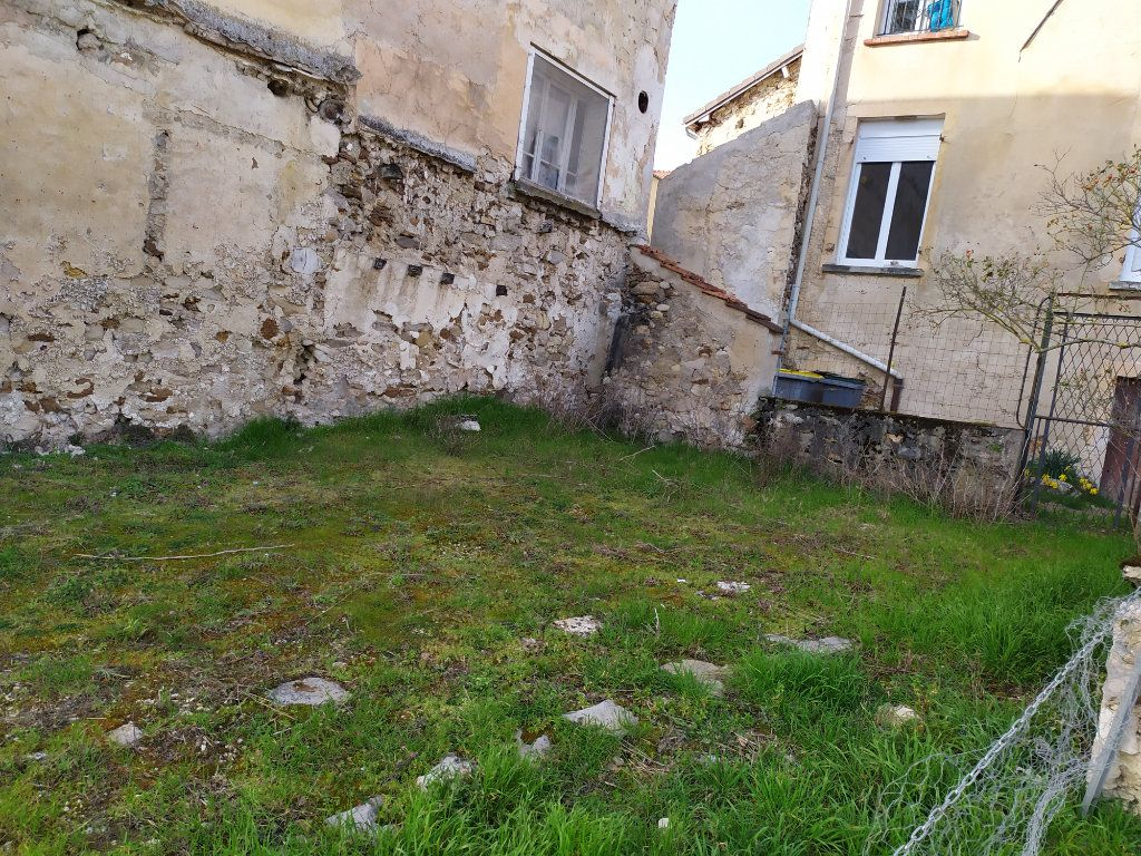 Maison à louer 4 112m2 à Crouttes-sur-Marne vignette-10