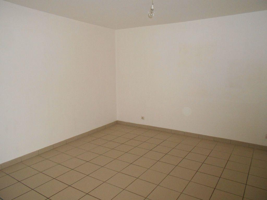 Appartement à louer 4 77m2 à Jouarre vignette-4