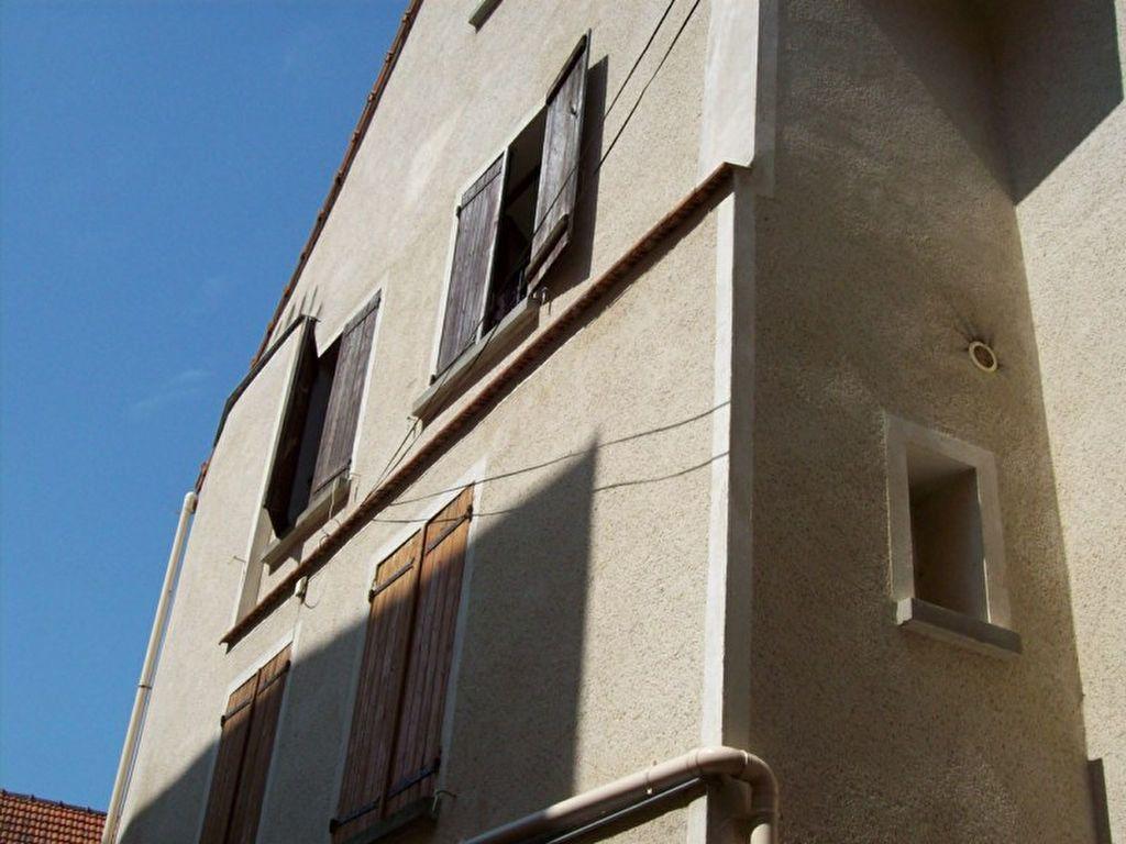 Appartement à louer 1 22m2 à La Ferté-sous-Jouarre vignette-1