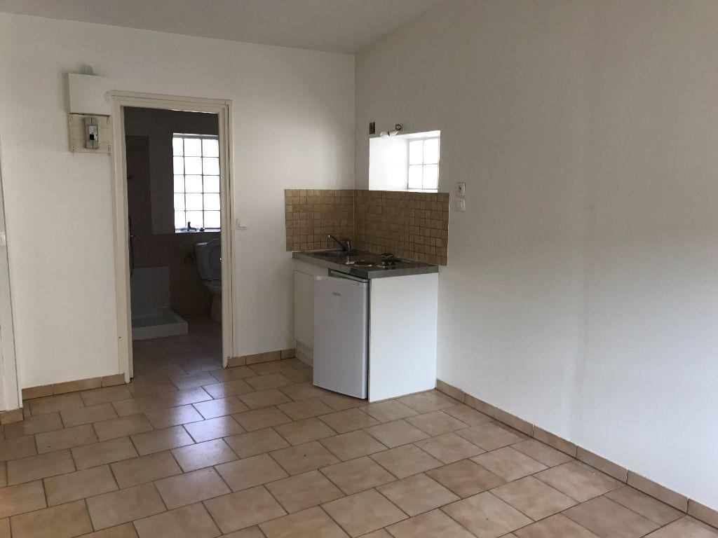 Appartement à louer 1 23.72m2 à Charly-sur-Marne vignette-1